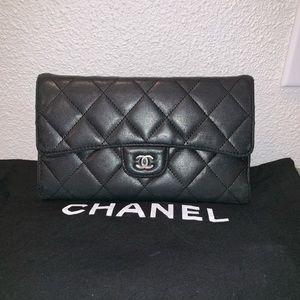 Authentic Chanel Lambskin cc wallet clutch